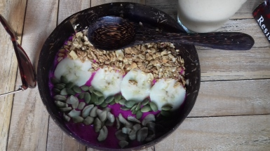 Pitaya smoothie bowl from Green Garden