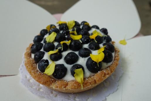 Amazing vegan blueberry tart from La Besneta
